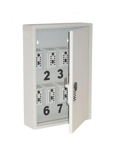 Armoire comportant des mini coffres à clés, porte ouverte