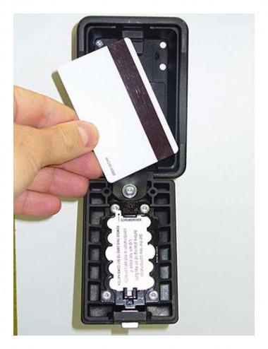 Boite à clé grand format noir ouvert, permet d'y ranger un badge
