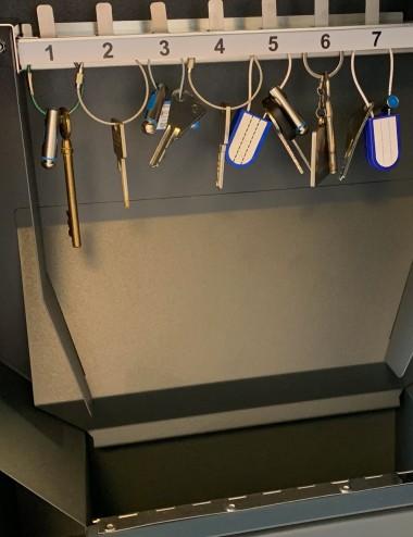 8 crochets pour le distributeur de clés